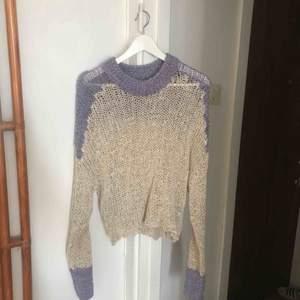 Fin stickad tröja från HM studio sparsamt använd.