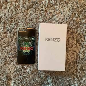 Kenzo skal för iPhone 6/7/8 plus. Köpt på NK, inga slitningar.