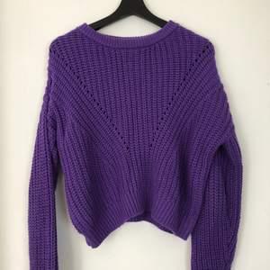 💜💜 Mysig lila stickad tröja från H&M. Frakt 40kr!