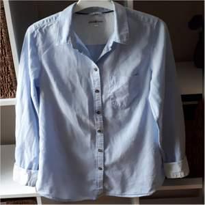 Hampton Republic skjorta i storlek S. Fint skick.