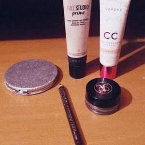 Lumene CC cream. Facestudioprime pore minimizing primer 👍🏼 And ofc Anastasia beverly hills dipbrow pomade