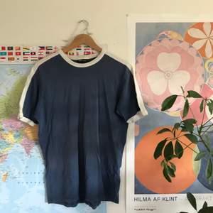 Nice, simpel tröja ba. Ganska tjockt och ordentligt tyg, känns att det är bra kvalitet liksom!