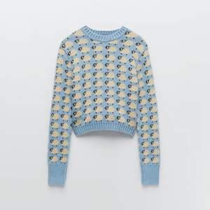 Söker denna Zara tröjan i M/L🥰🥰Hör av er om ni har den eller så