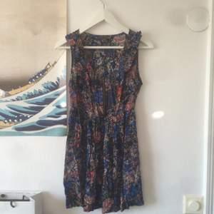 Klänning köpt på Forever21 i LA. Använd bara ett par gånger!