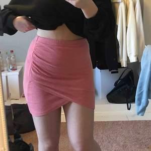 Fin kjol, knappt använd, passar XXS-Mindre M