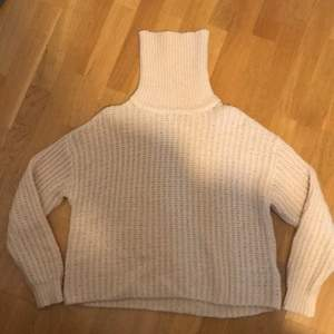 Ljusrosa stickad tröja från ginatricot🥰