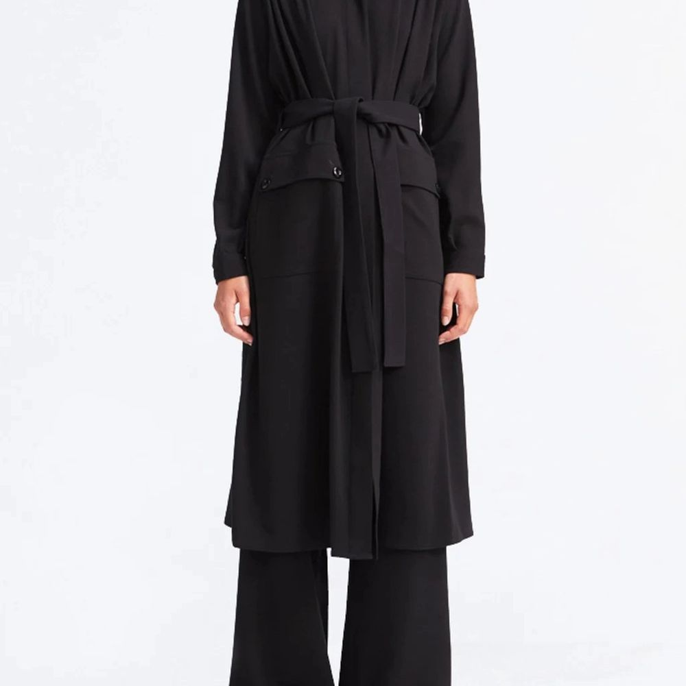 Rodebjer Odessa coat in black, size XS. Used but still very good condition. Price new 2800 Kr. https://www.aplace.com/en/women/clothing/coats-jackets/rodebjer-odessa?country=se&gclid=EAIaIQobChMI9tzv59ug7gIVB0eRBR0QqQovEAQYASABEgL_fPD_BwE. Jackor.