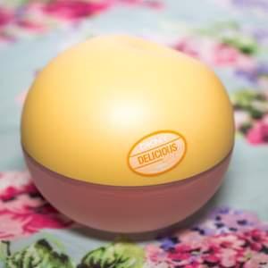 DKNY Delicious Delights Dreamsicke 50ml edT, Endast testad och köpt på Kicks. Slutsåld på flera ställen så passa på nu. Vid snabb affär bjuder jag på frakt :)