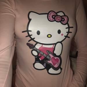 as qt hello kitty tröja inga flaws alls inga stenar är missade😘