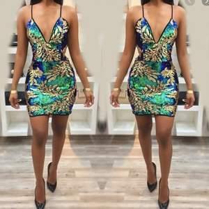 Glitter klänning, endast testad 🌸