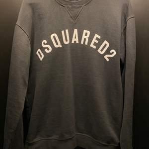 DSQUARED2 Sweatshirt  Storlek L liten i storlek (passar M)