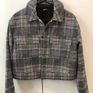 Gina Tricot jacket, vintage style, used twice! Size M. Shipping included