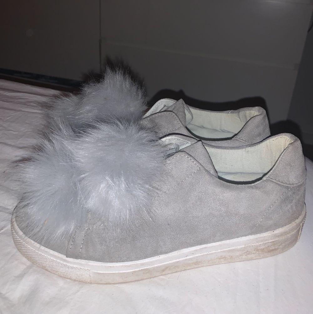 Superfina ljusgrå skor från Bianco. Skor.