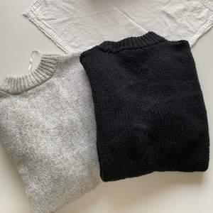 Två stickade tröjor från lager 157 båda i storlek xs/s dom e lite over sized skulle jag säga men skit snygga, bara att höra av sig vid yttligare frågor💖 en kostar 89kr båda för 125kr☺️