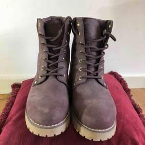 Vinter skor 👞 kan mötas i Jönköping annars står köparen för frakten