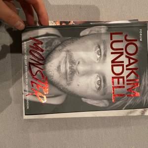 """En bok av Joakim lundell """"monster""""."""