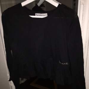 Svart tröja från Bondelid i storleken S, aldrig använd