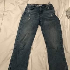 Dessa blå raka jeans ifrån zara i storlek 38