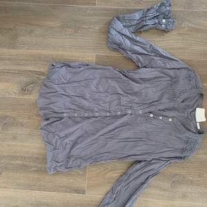 Blus / skjorta i str 40