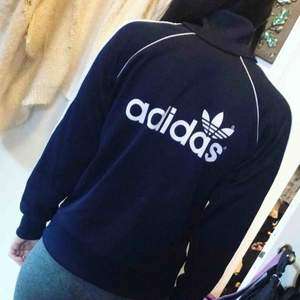 En sip Adidas i fin skick
