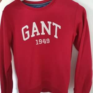 Säljer min GANT tröja, använd bara 1gång, som ny! Frakten ingår! ❣ Nypris: 1200