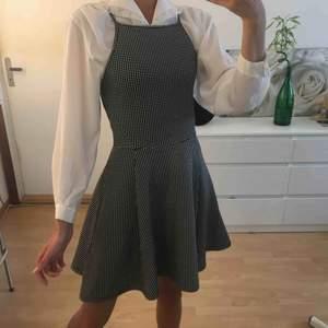 Söt och cool gingham klänning 🏁