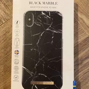 Svart marmor skal från Ideal of Sweden, till iPhone XS Max. Helt nytt, aldrig använt för köpte fel. Den guldiga ringen ingår och går att ta av om man inte vill ha den. Priset går absolut att diskutera🥰🥰 GRATIS FRAKT!!!