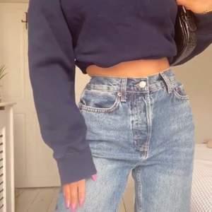 Säljer dessa Mid Blue Oversized Dad Jeans 🖤 Frakt: 59kr