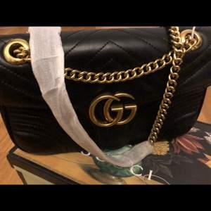 Säljer Gucci väska , AAA COPY.