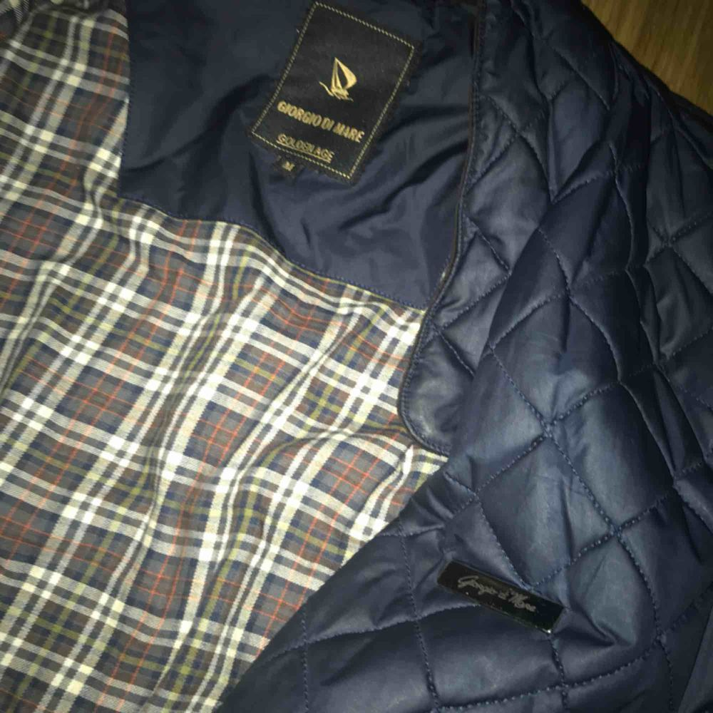 Never been used, completely new. In really good shape no breakage, warm, good for the winter. Jackor.