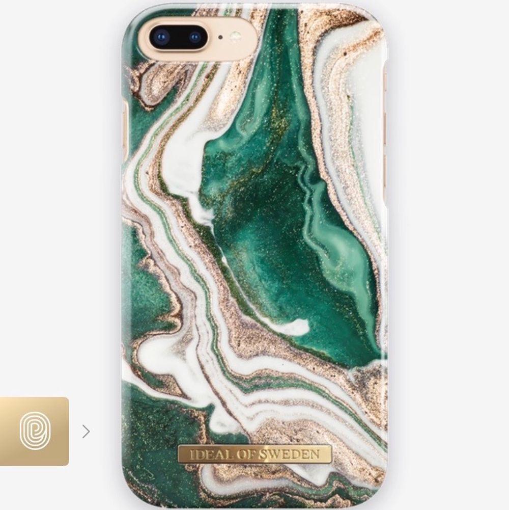 Säljer detta super snygga skal från ideal of sweden som är till en iPhone 8/7/6/6s plus då den inte passar min telefon jag har nu. Väldigt bra skick då jag inte använt det mycket. Nypris: 299kr, säljer för 120kr. Går bra att buda 💕💖. Accessoarer.