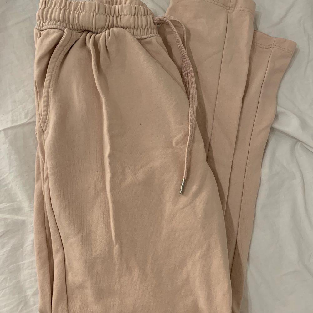 Gammalrosa mjukis, sparsamt använda. Jeans & Byxor.
