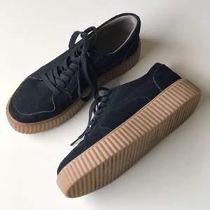 Knappt använda skor från Duffy i storlek 40! Frakt tillkommer
