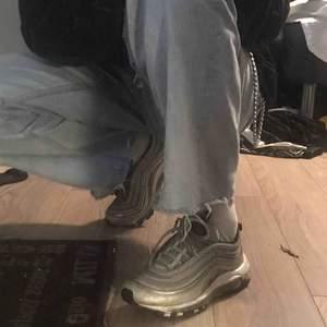 SKITSNYGGA nike 97 silver bullets!! älskar dom! använder aldrig pga jag har så mkt andra skor. köpare står för frakt 💞 nypris: 1500