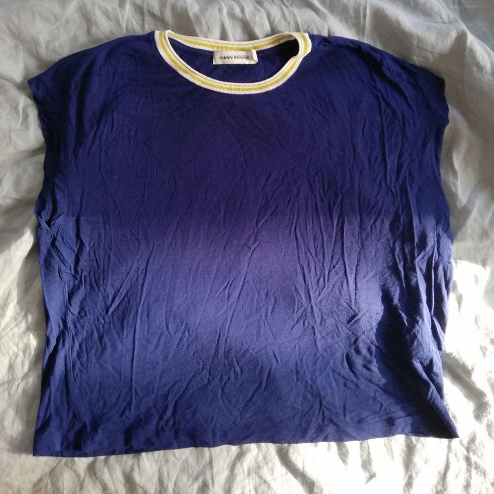 T-shirt /linne från Carin Wester för Åhléns . T-shirts.