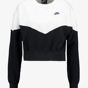Utsåld Nike sweatshirt dm för fler bilder❤️