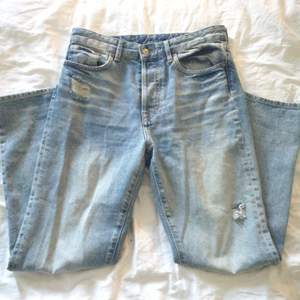 Suoerfina jeans byxor i straightleg liknande modell, endast använda 1 gång.