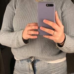 Säljer denna stickade ljusblå tröjan från HM! Skit snygg och passar till mycket, tyvärr växt ur den! Den är i storlek S och i ett väldigt skönt material! Skriv vid intresse! ❤️❤️