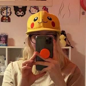 En kawaii Pikachu keps (Frakten kan förändras beroende på vikten/Billigare frakt) (Det går att samfrakta om man köper flera grejer)