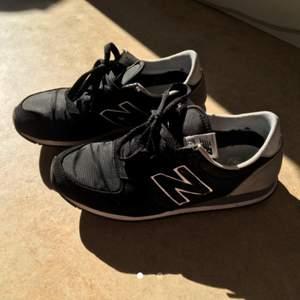 New balance-skor, säljer pga använder dom inte
