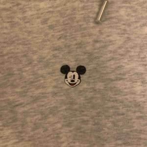 Älskar denna hoodie, så snygg och skön😍🥺