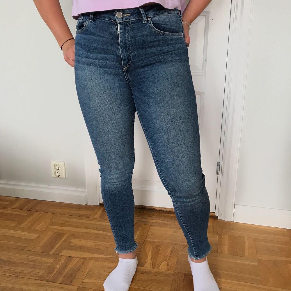 Säljer dessa jeans som inte används längre. Köparen står för frakt!. Jeans & Byxor.