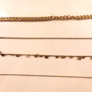 Super fina halsband. 20kr styck / 50kr för alla✨ (frakt tillkommer)