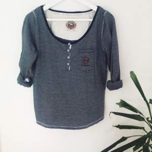 Skön tröja från Bondelid, köptes för 199kr, använd 1-2 gånger.