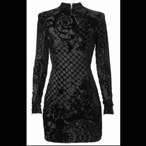 Hm x Balmain klänning. Använd en gång.