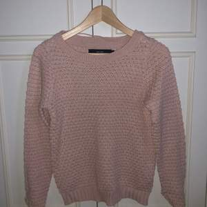 Ljusrosa tröja, använd ca 5ggr. Storlek S