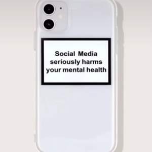 Säljer detta skal för iPhone 11, knappt använt och jättefint skick🤍