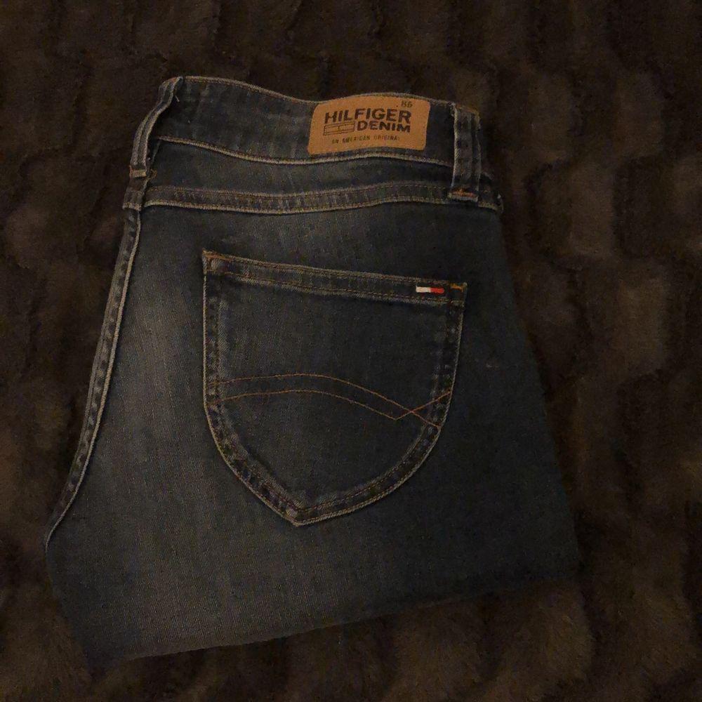Tommy jeans i nyskick. Jeans & Byxor.