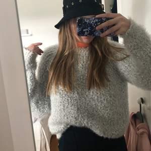 Mysig och len tröja i storlek S 🦋 120 kr inklusive frakt 🦋