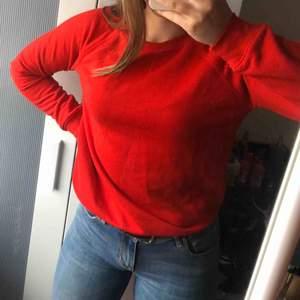 Vanlig skön tröja som passar båda XS, S och M😍  +frakt
